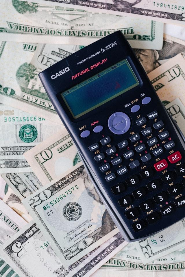Besparen op je maandelijkse kosten? Vergelijk verzekeringen!
